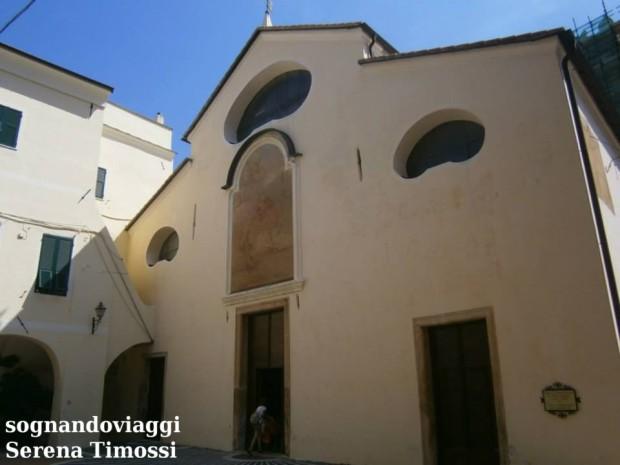 Toirano chiesa