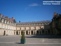 Castello di Fontainebleau cortile