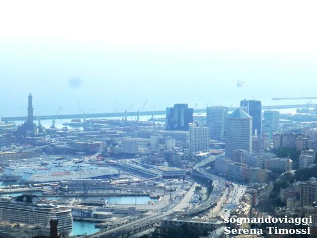 La Lanterna e il Porto di Genova visti dal Righi