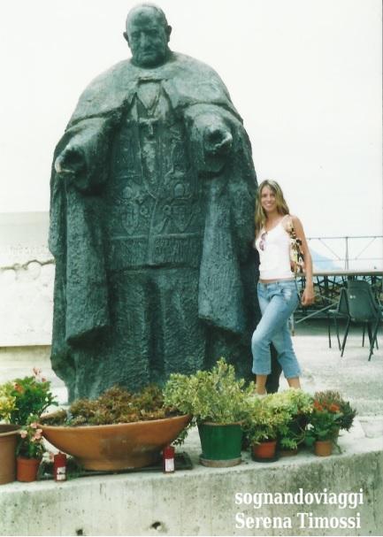 Loreto statua papa giovanni