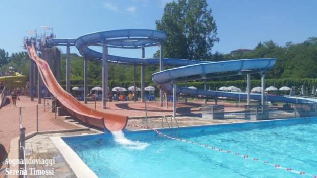 Parchi acquatici le piscine del lavagello sognando viaggi for Piani del padiglione della piscina