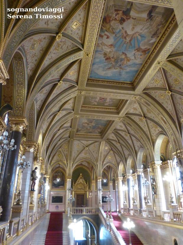 parlamento-budapest-interno-affreschi
