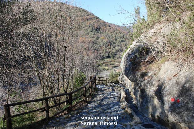 Zuccarello sentiero Ilaria del Carretto