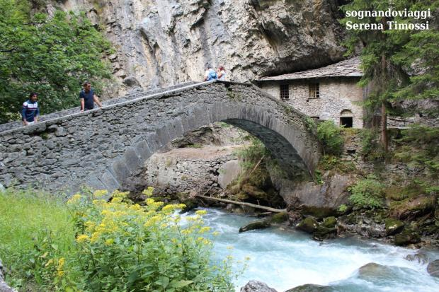ponte orrido pré saint dider valle d'aosta