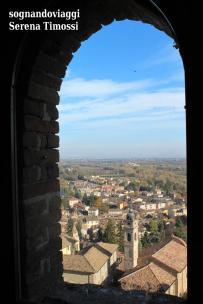 Vista da una delle finestre della Torre Viscontea