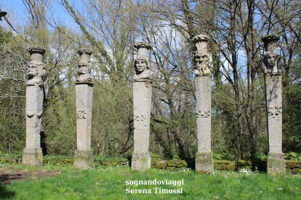 obelischi colonne bomarzo