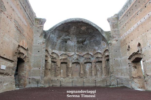 sala dei filosofi villa adriana