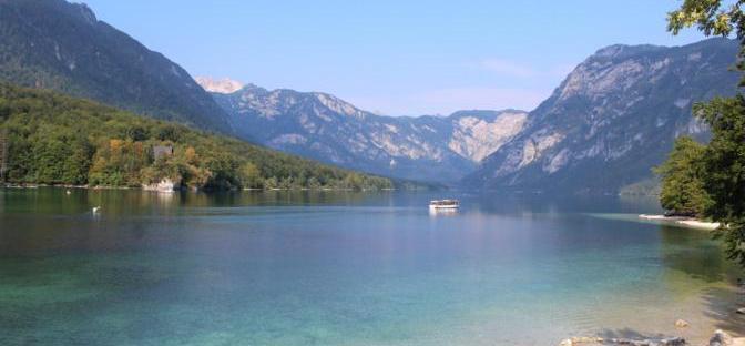 lago di bohinj slovenia