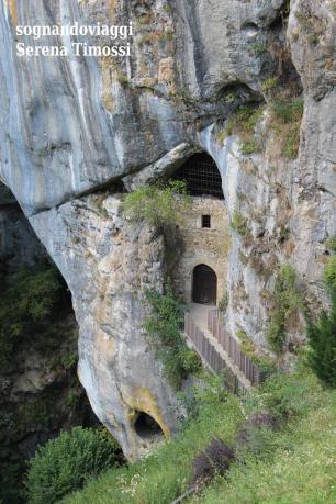 Le grotte e i passaggi segreti del castello