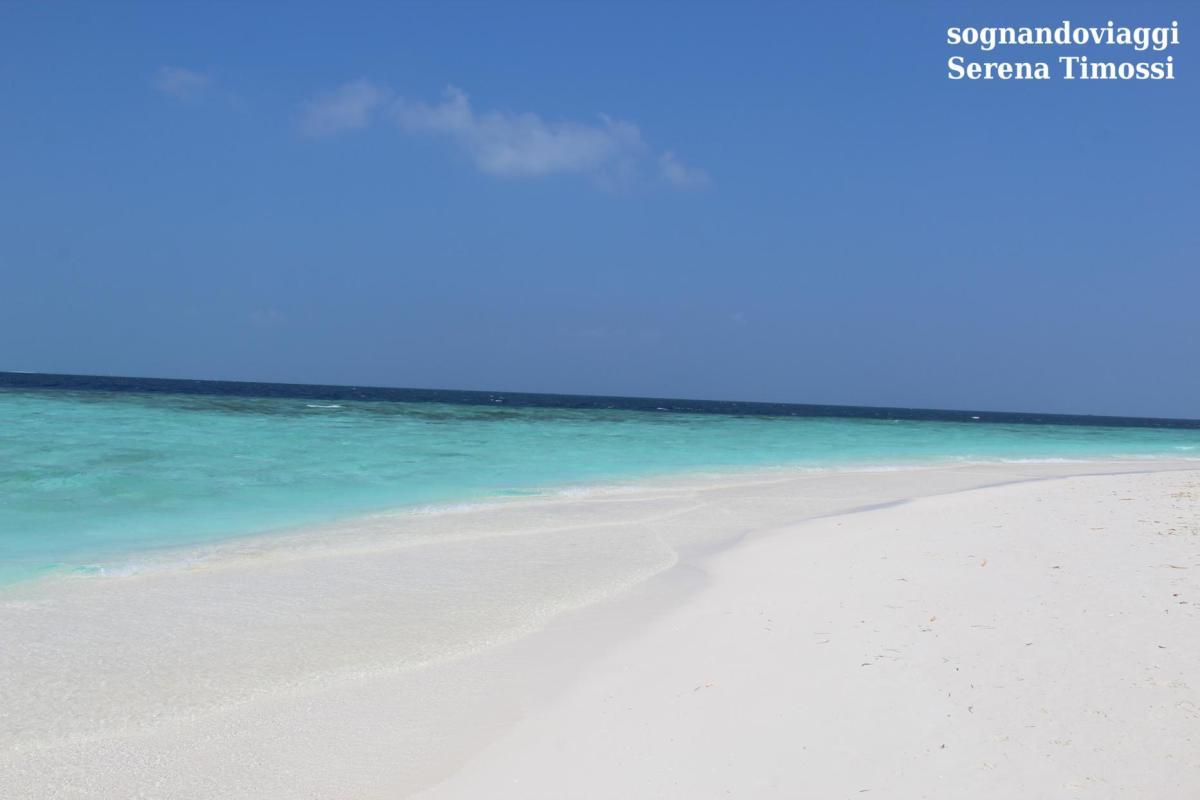 spiaggia e mare maldive