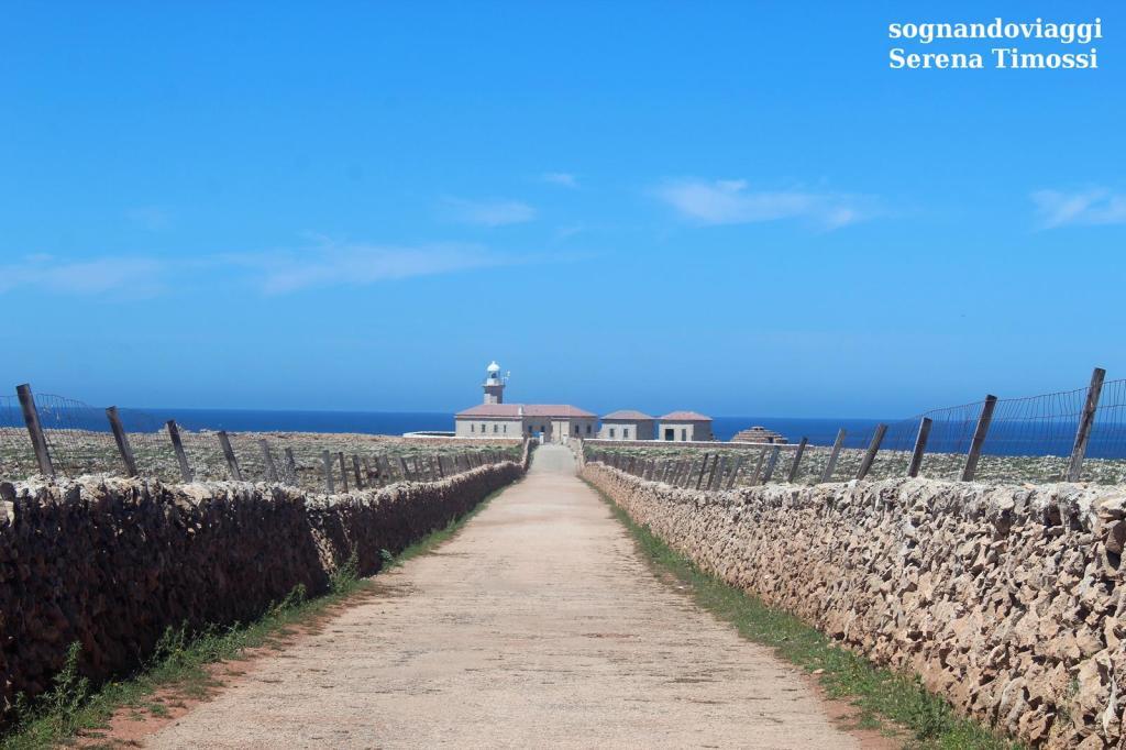 Faro di Punta Nati